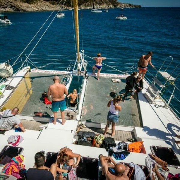Croisière grillades à bord d'un maxi catamaran
